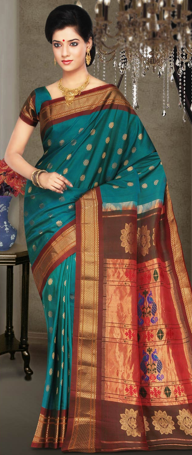 Online Indian Sarees Models PHotos For Wedding Designs